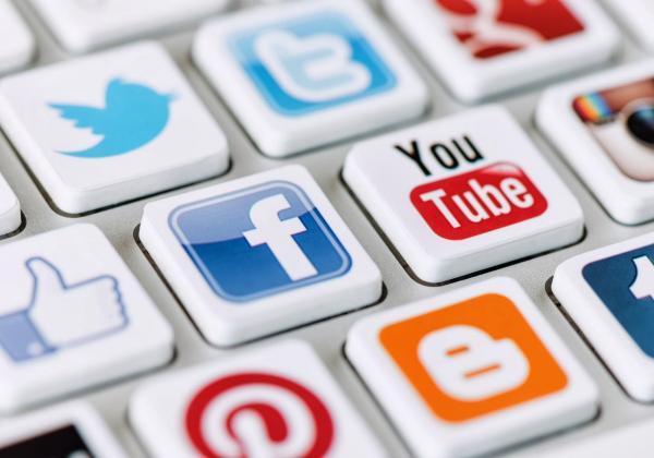 سلبيات وايجابيات مواقع التواصل الاجتماعي المنتدى العالمي للوسطيه
